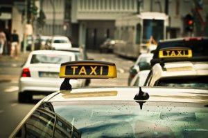 Московские такси в Питере: Pro et contra